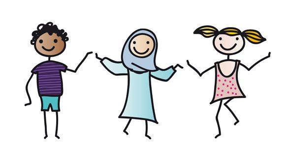 Fröhliche Gruppe von Schülern unterschiedlicher Herkunft ezugt von einer erfolgreiche Integration.