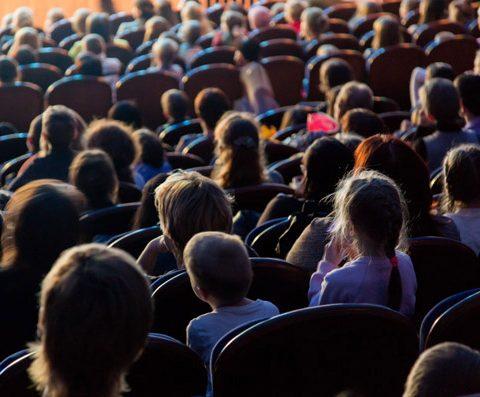 Ausflug ins Theater – ein jährliches Ritual unserer Grundschule